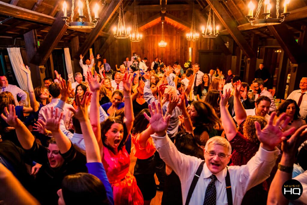 packed-deancefloor-wedding-bands